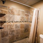 Tiled Full Bath at the Rustic Lodge Rental