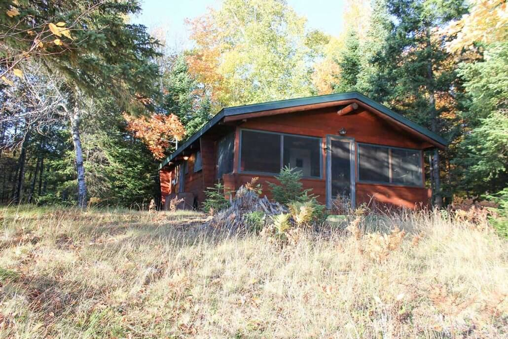 lake crooked cabins michigan rentals rental cabin in secluded tree